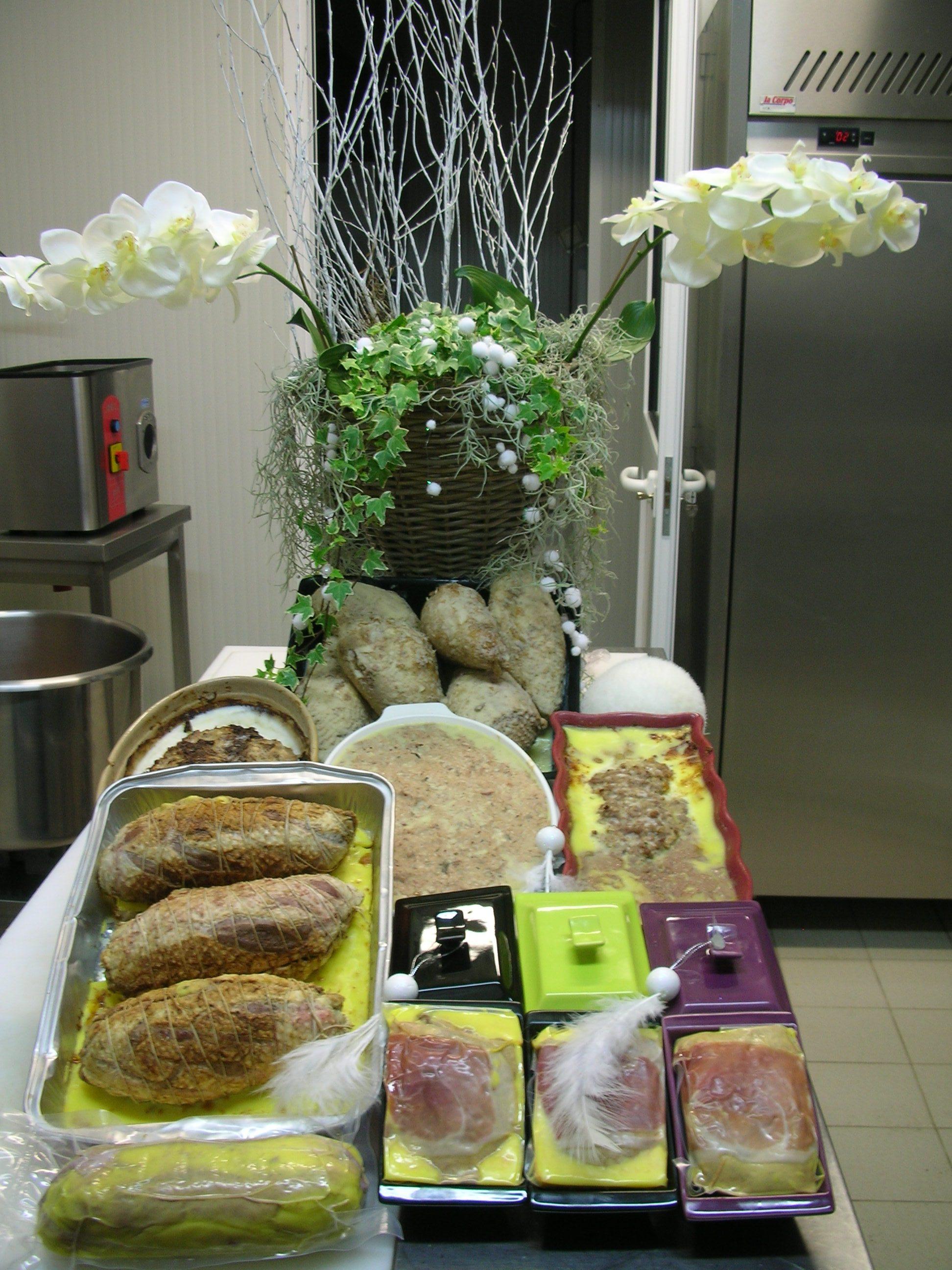 Vente de volaille, Chapon fermier, terrines au foie gras maison